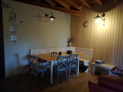 ECO URBIÓN: Mesa pequeña en la Casa